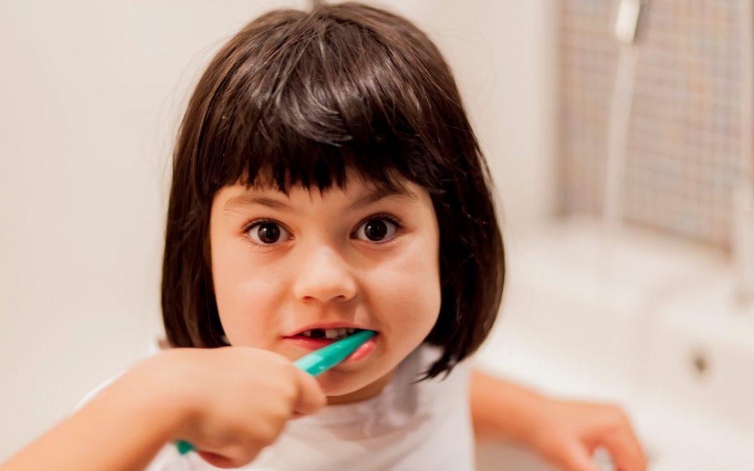 Como cuidar dos dentes do seu filho
